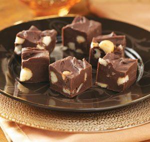 Mörk chokladkola med Exotic Snacks Macadamianötter
