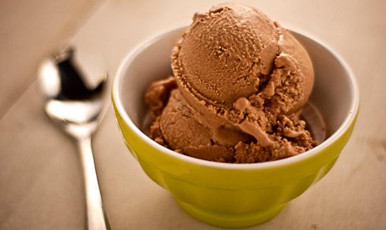 Paranöt-Chokladglass RAW