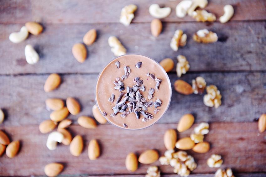 Raw food smoothie på nötter och bär